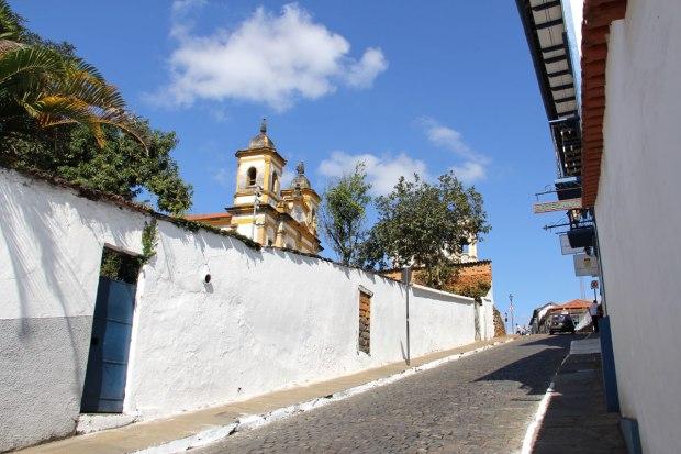 Subindo para a Praça Minas Gerais, em Mariana