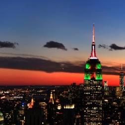 Empire State Building visto à noite do alto do Top of the Rock
