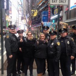Uma pausa nos passeios pra foto com o New York Police Department