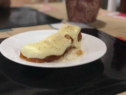 Doce de cupuaçu, queijo de búfala e castanha