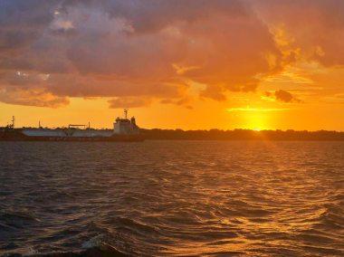 Entardecer chegando em Belém